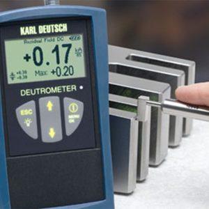 Deutromete field strength meter